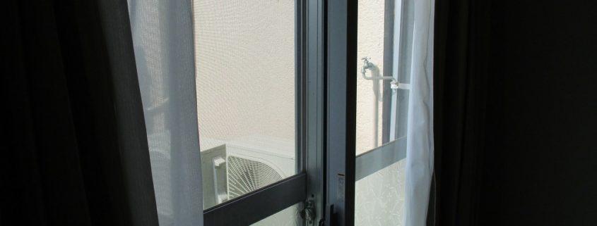 西日対策で遮熱性の高い二重サッシを取り付け
