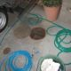 排水パイプの高圧洗浄中