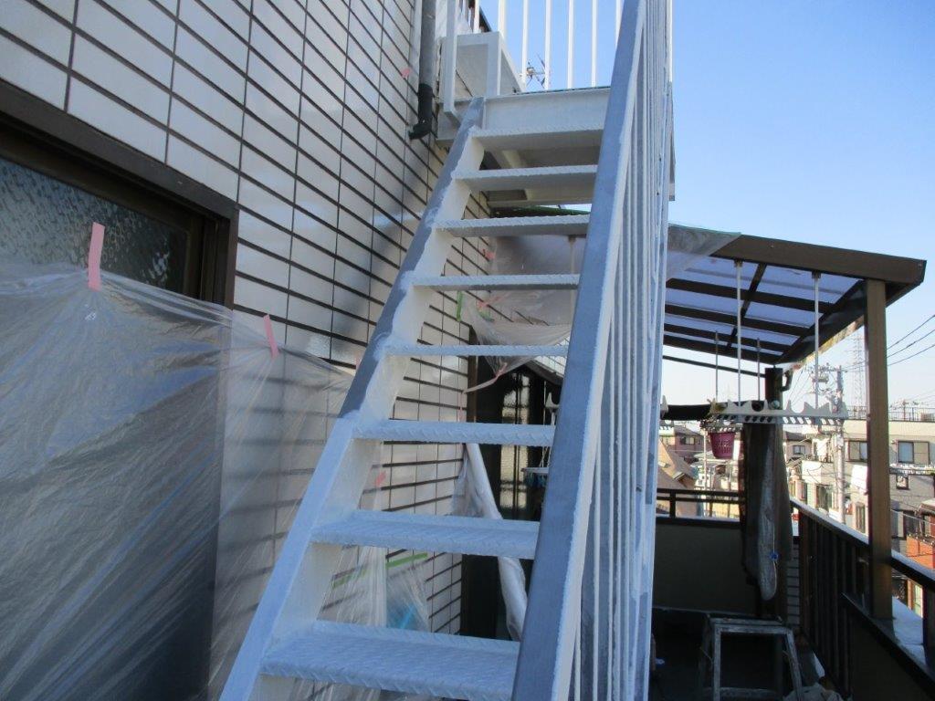 鉄骨階段の錆止め塗装
