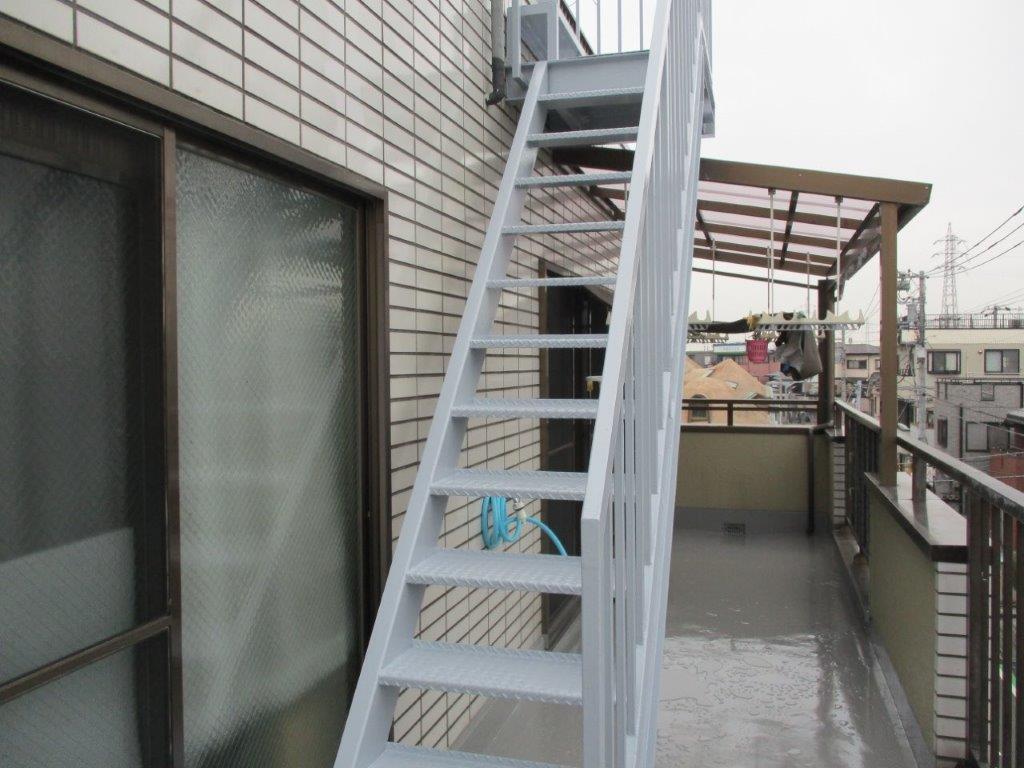 鉄骨階段の塗装後