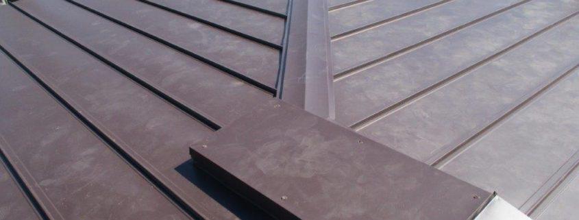 ガルバニウム鋼板の葺き替え後