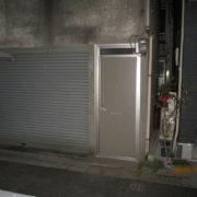 交換後の事務所(オフィス)ドア