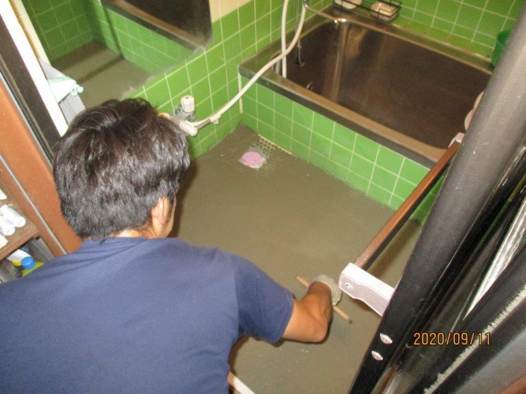 洗い場の改修工事中